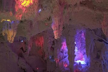 SALINERA solná jeskyně (interiér)